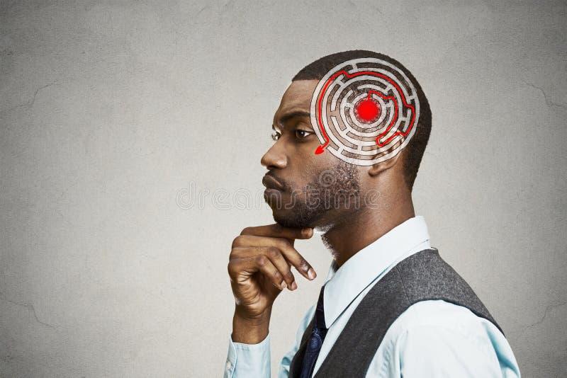 正确的决定智慧战略概念 解决问题认为的人 库存照片