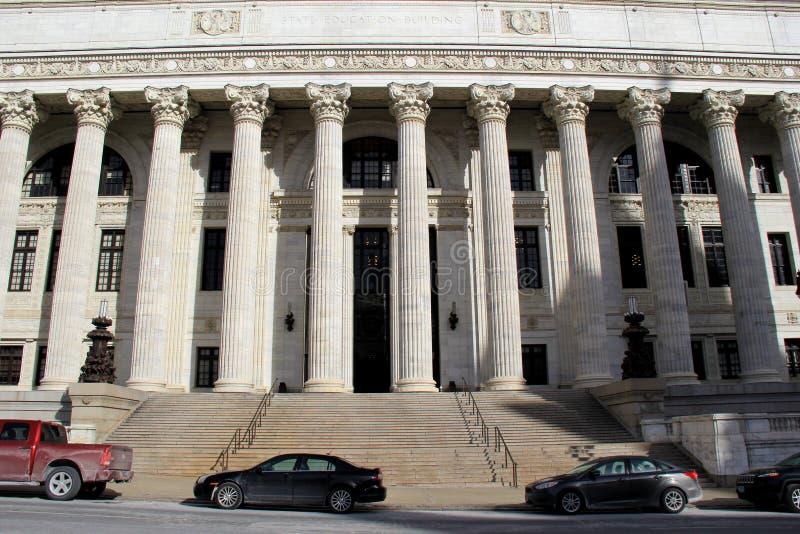 正门,纽约州教育大厦,阿尔巴尼华美的建筑学, 2016年 免版税库存照片