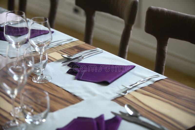 正餐在餐馆 免版税库存图片