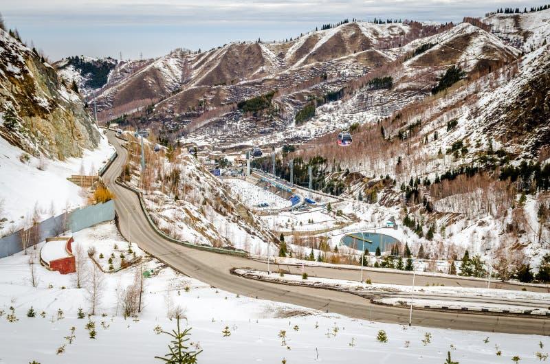正统麦迪奥(Medeu)溜冰场在阿尔玛蒂,哈萨克斯坦 免版税库存图片