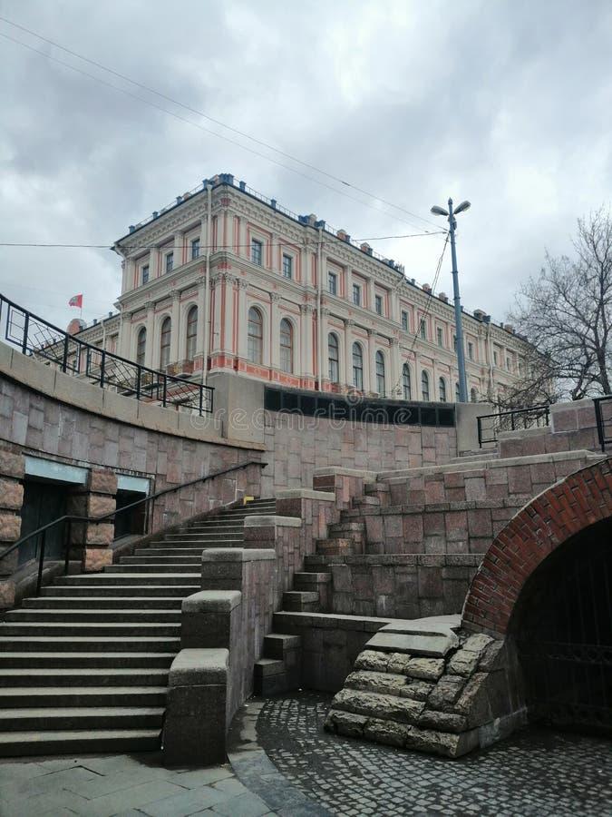 步和宫殿的看法 库存照片