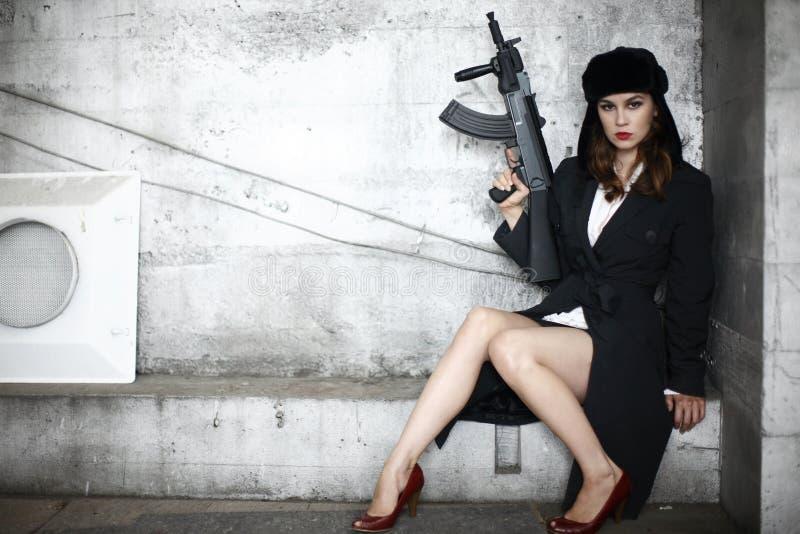 步枪时髦的妇女 免版税库存图片