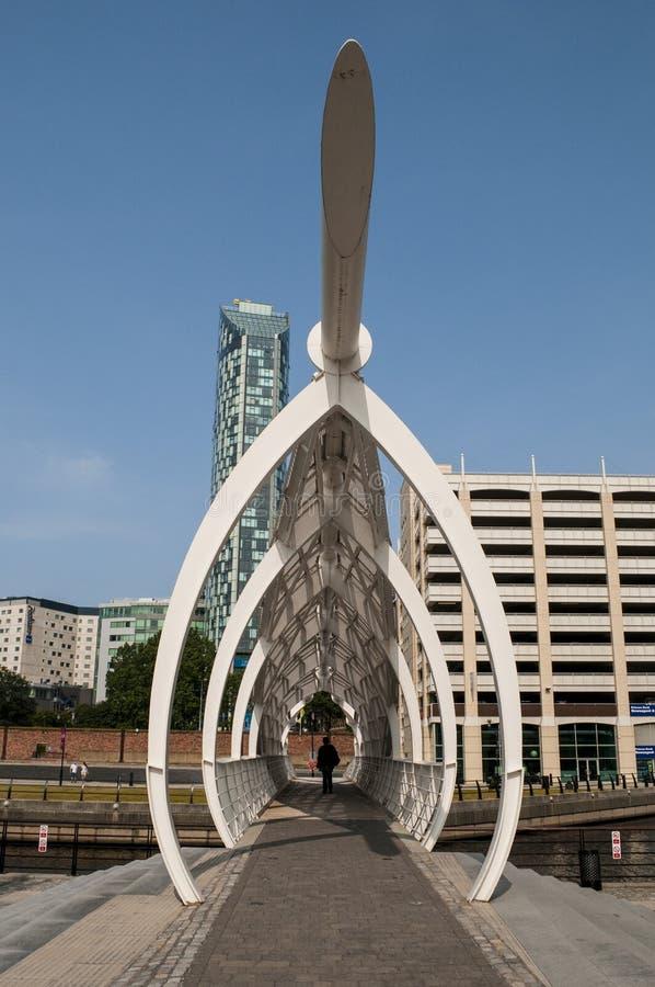 步行人行桥,利物浦,英国 免版税库存照片