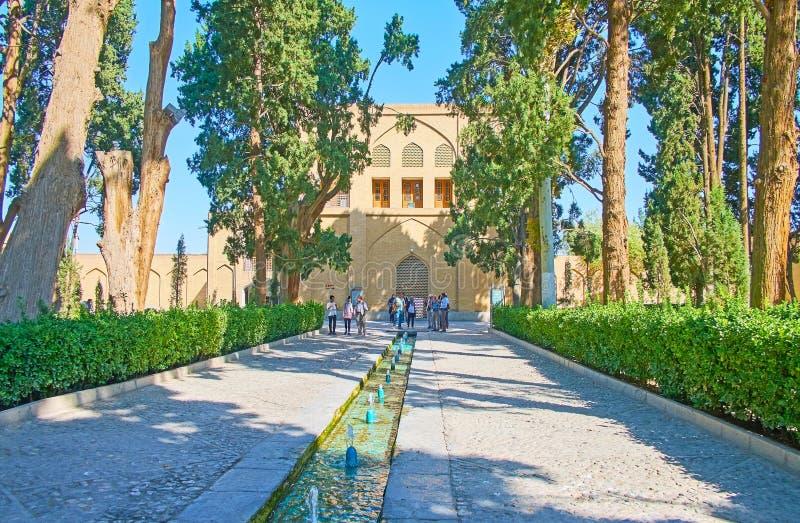 步行在飞翅庭院,卡山,伊朗里 库存图片