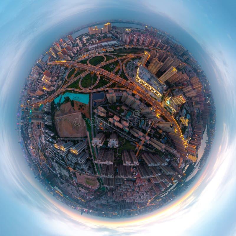 武汉市日落和夜航拍风景在夏天 库存图片