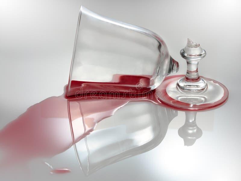 残破的玻璃酒 免版税图库摄影