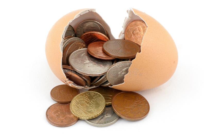 残破的硬币鸡蛋 库存图片