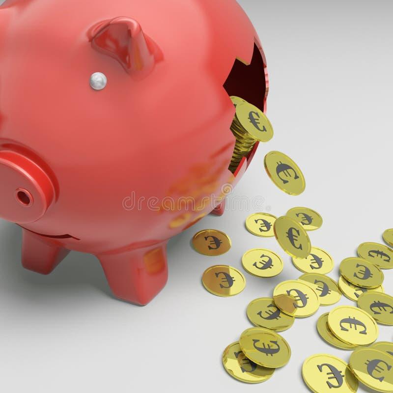 残破的Piggybank显示欧洲经济 图库摄影