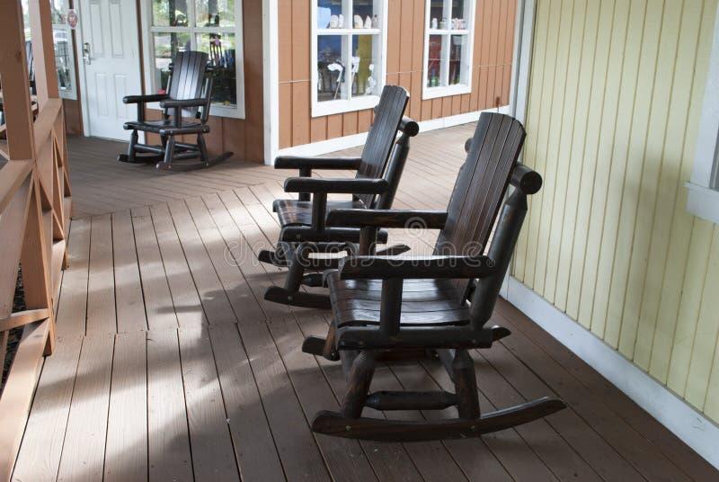 殖民地样式木摇椅 库存图片