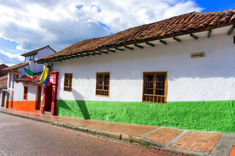 殖民地街道在波哥大,哥伦比亚 图库摄影