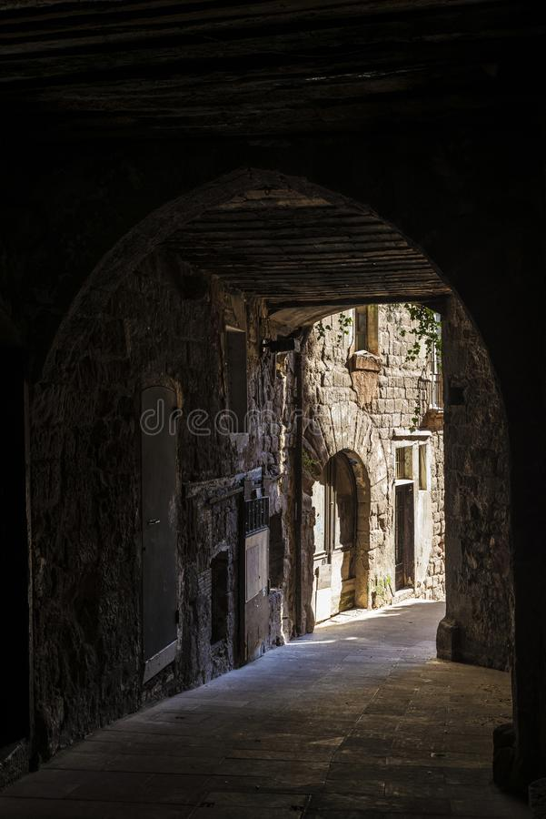 段落在老镇卡尔多纳在加泰罗尼亚,西班牙 库存图片