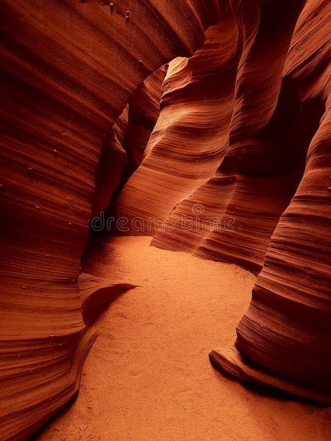 段落通过羚羊峡谷,亚利桑那 免版税库存照片