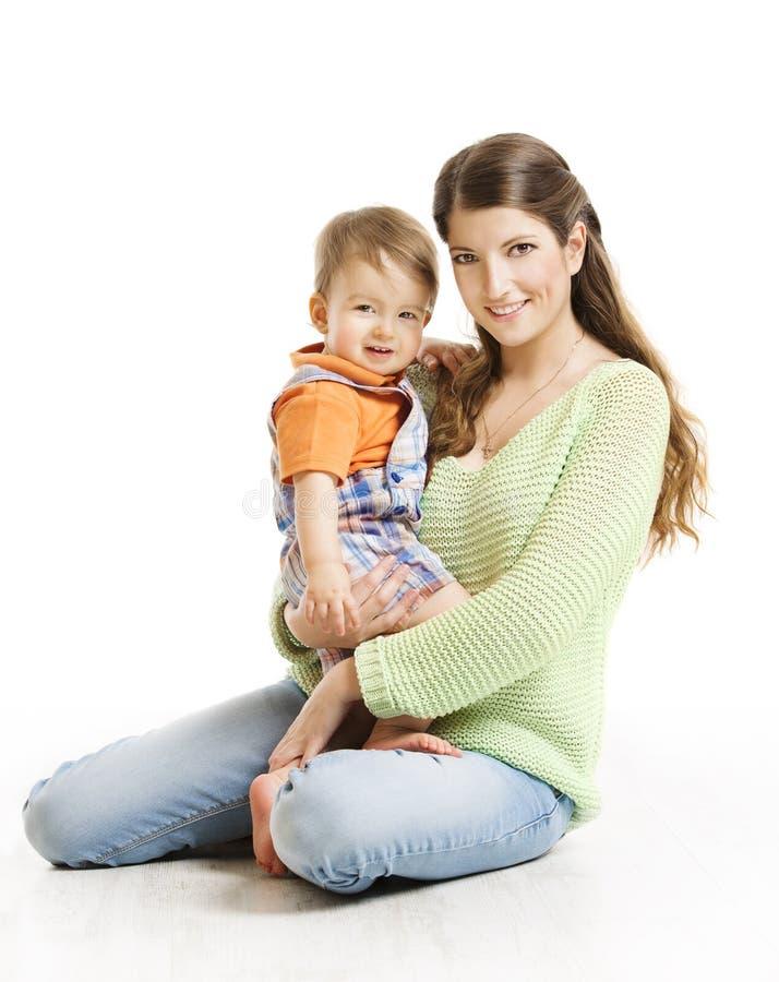 母亲和儿子小孩家庭画象、少妇&孩子 库存图片