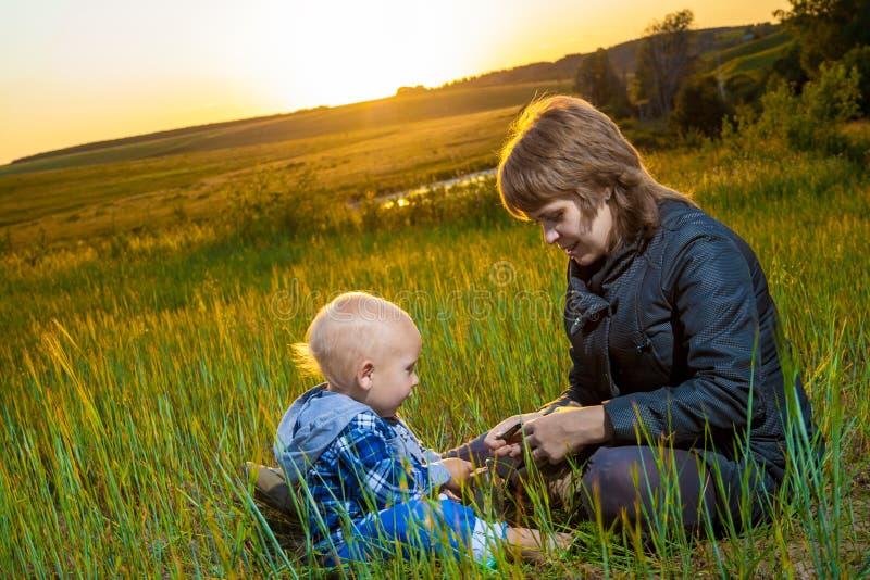 母亲和子项 图库摄影