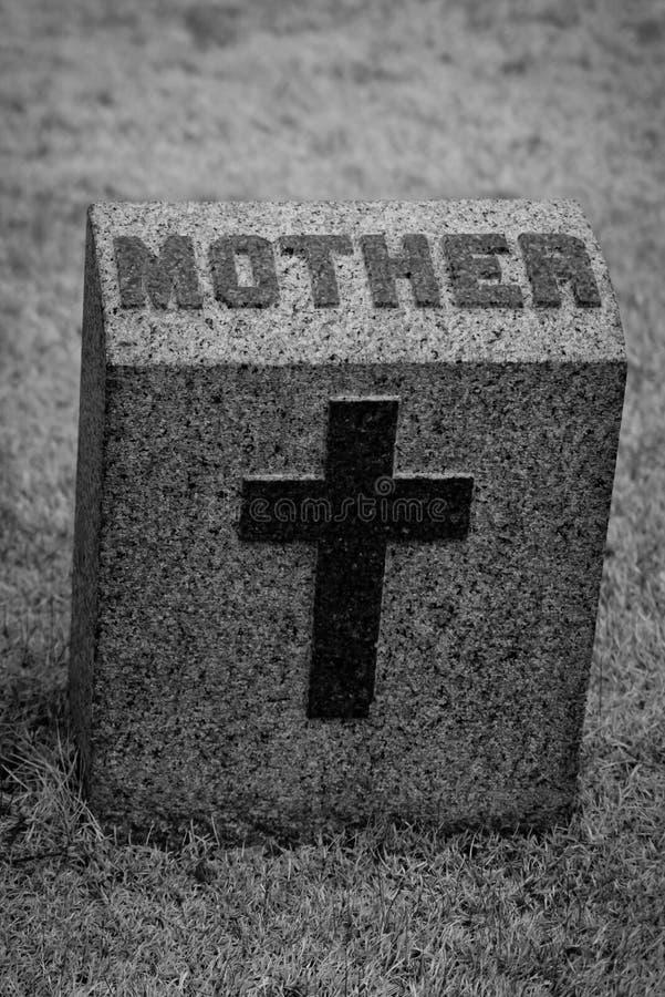 母亲墓石 免版税库存照片
