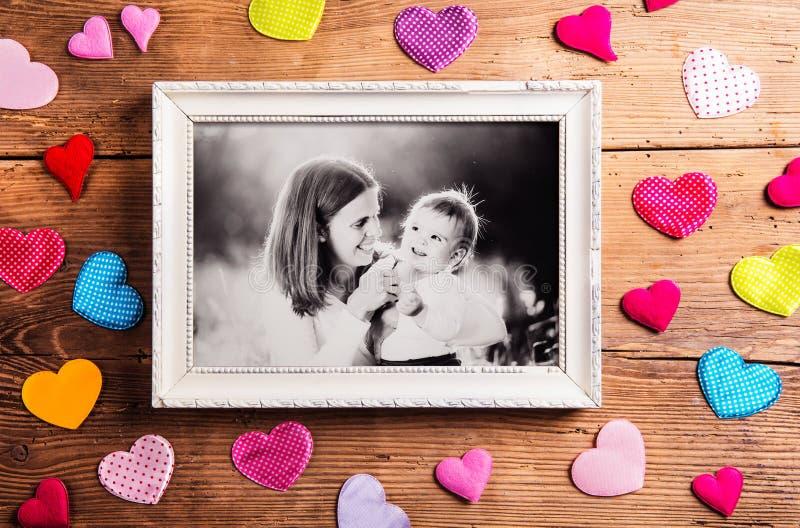 母亲节构成,画框 演播室射击,木, bac 免版税库存照片