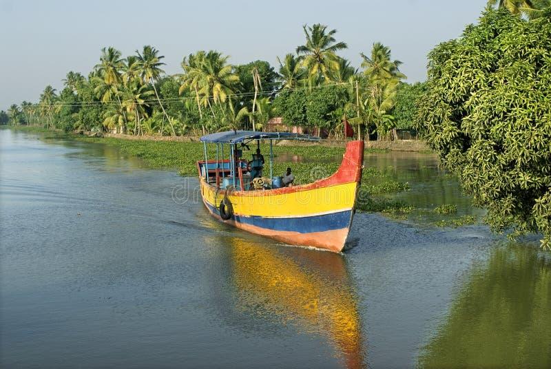 死水每日人生的汽船旅行 库存照片