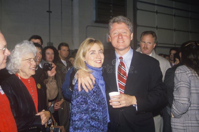 比尔和希拉里・圣路易斯市场活动的克林顿 库存照片