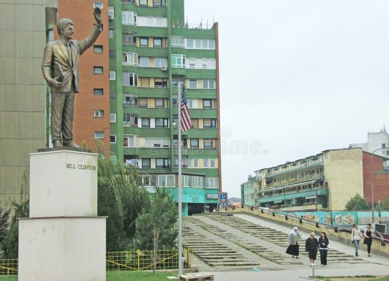 比尔・克林顿雕象在科索沃 免版税库存图片