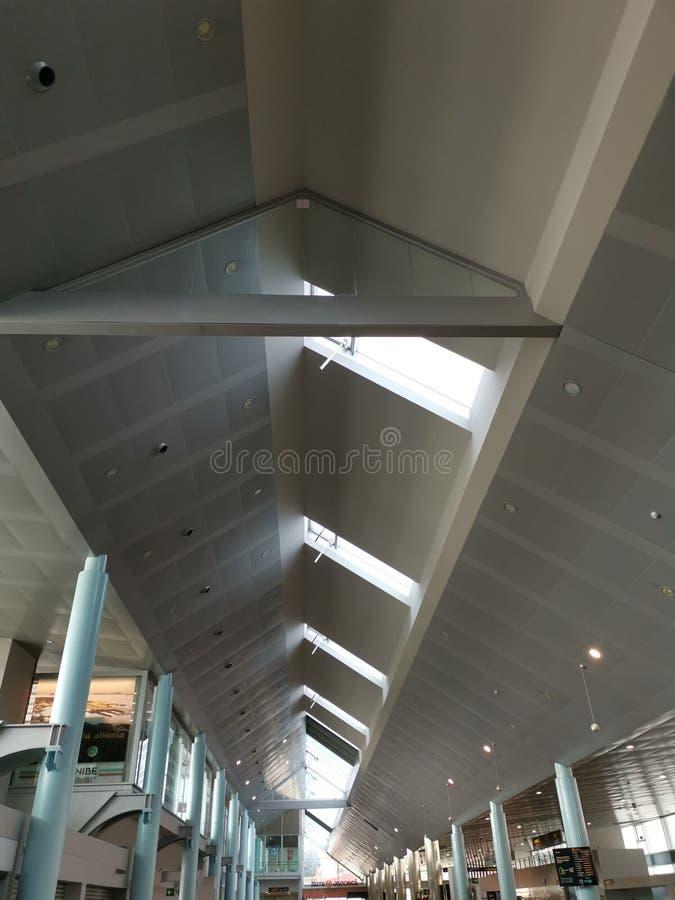 比戈机场的终端的内部看法,蓬特韦德拉,西班牙 库存照片
