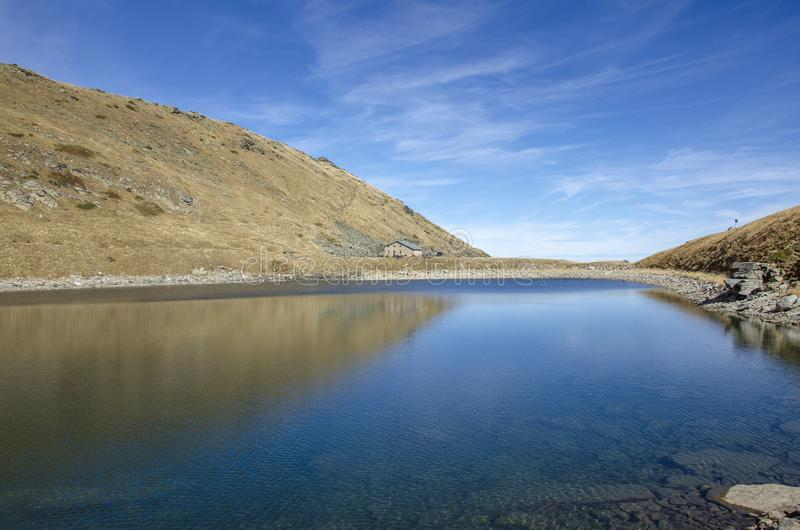 比格湖Pelister - Mountain湖-在比托拉,马其顿附近的Pelister国立公园 免版税图库摄影