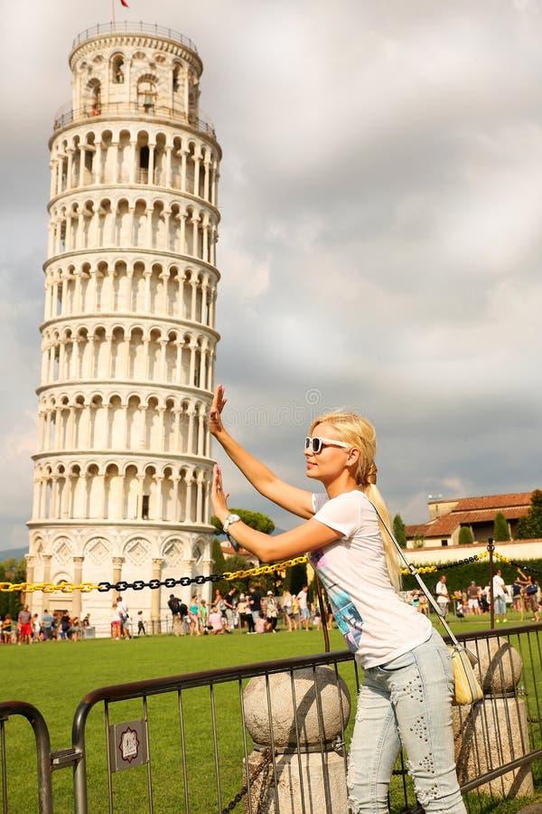 比萨和少妇斜塔  免版税图库摄影