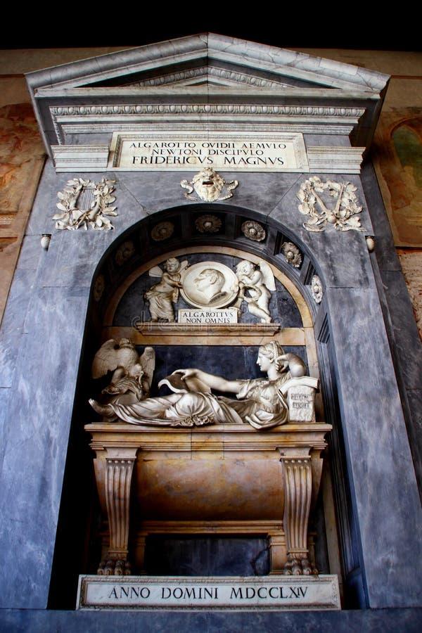 比萨,意大利-大约2018年2月:巨大的公墓的内部奇迹正方形的  免版税库存照片