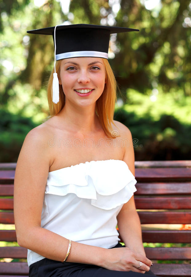 毕业的愉快的学员 免版税库存图片