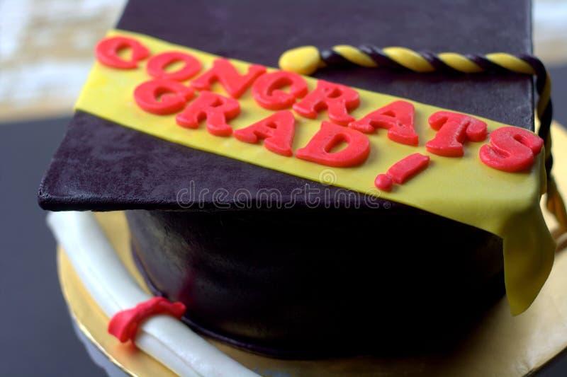 毕业被塑造的方旦糖蛋糕 免版税图库摄影