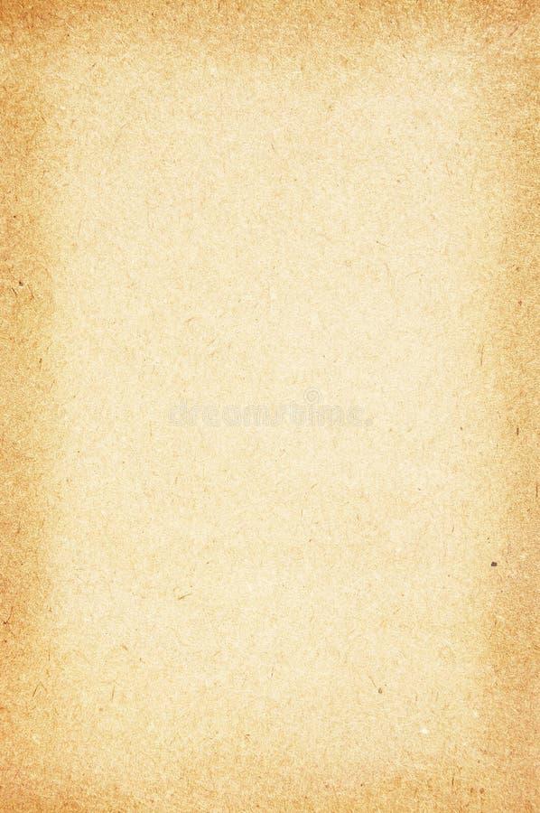 毗邻黑暗的老纸张 免版税库存图片