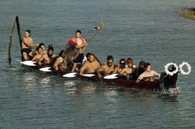 毛利人战争Waka独木舟 图库摄影