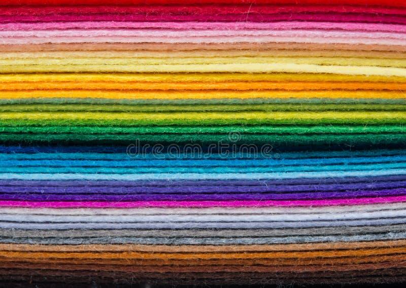 毛毡织品覆盖以在堆堆的各种各样的颜色 图库摄影
