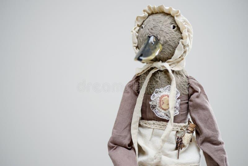 毛皮黏土鸟鸭子佣人葡萄酒维多利亚女王时代玩偶 免版税库存图片