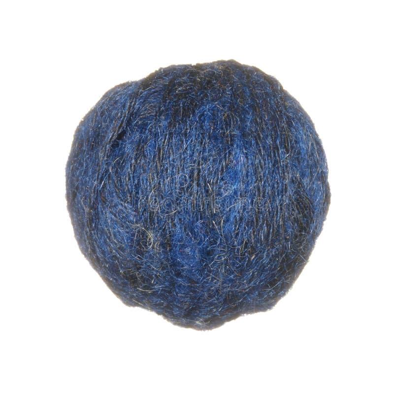 毛纱丝球在白色背景隔绝的蓝色的 免版税库存照片