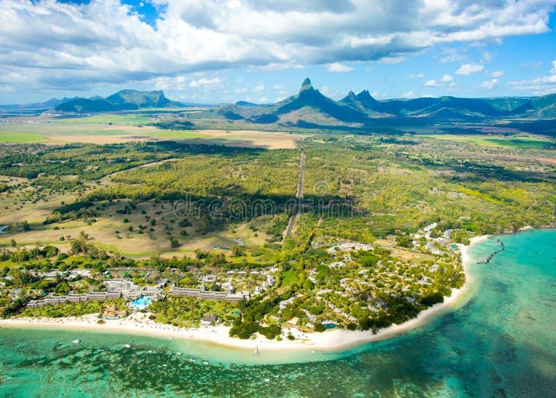毛里求斯海岛鸟瞰图  免版税库存照片