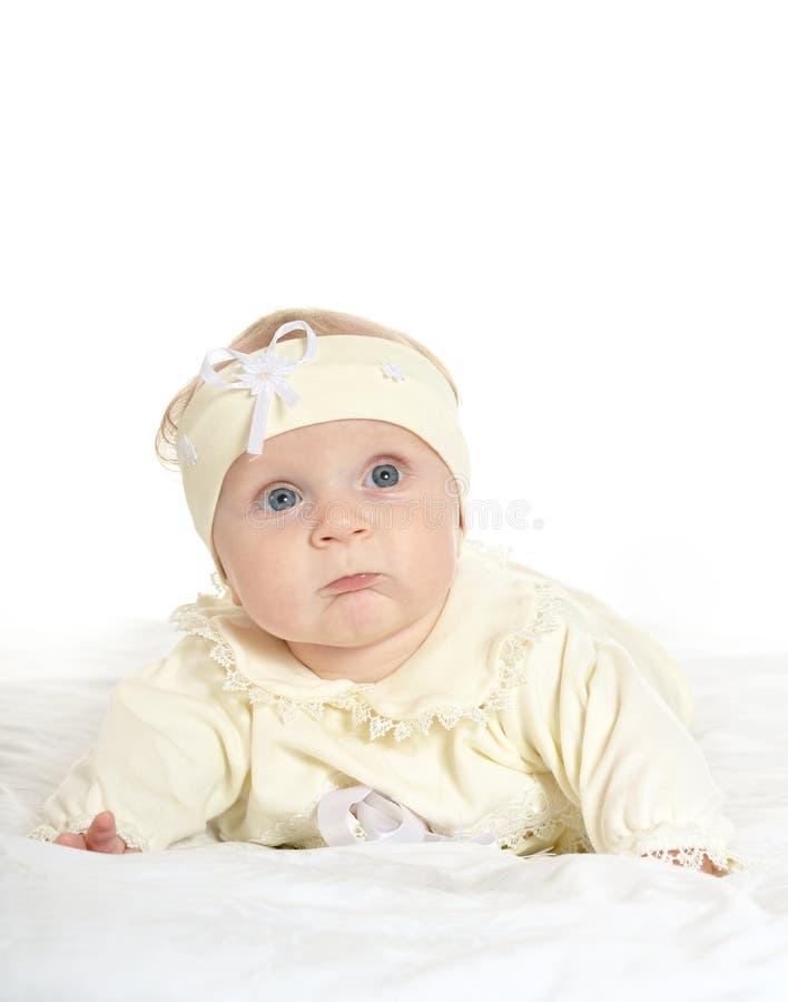 毯子的可爱的女婴 免版税库存照片