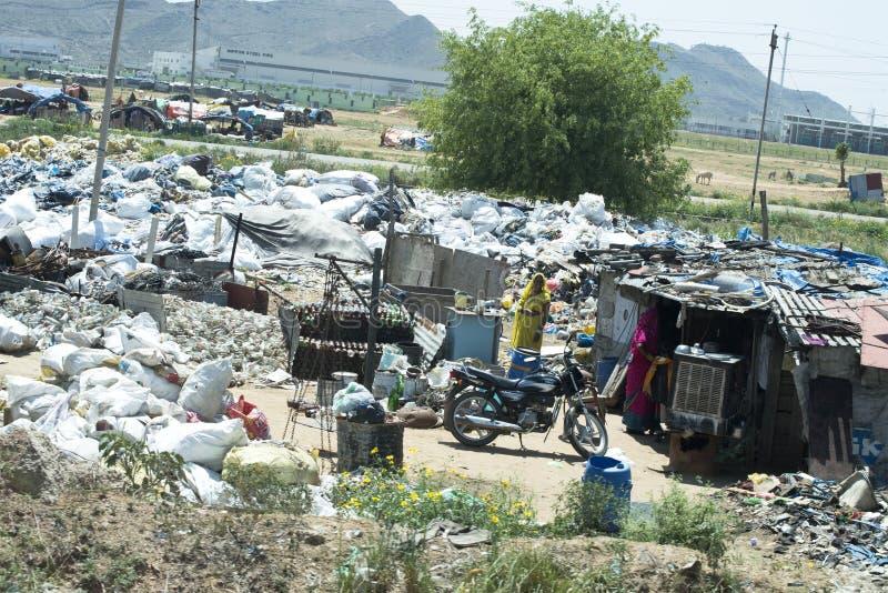 贫民窟住房、贫寒和贫穷在印度 库存图片