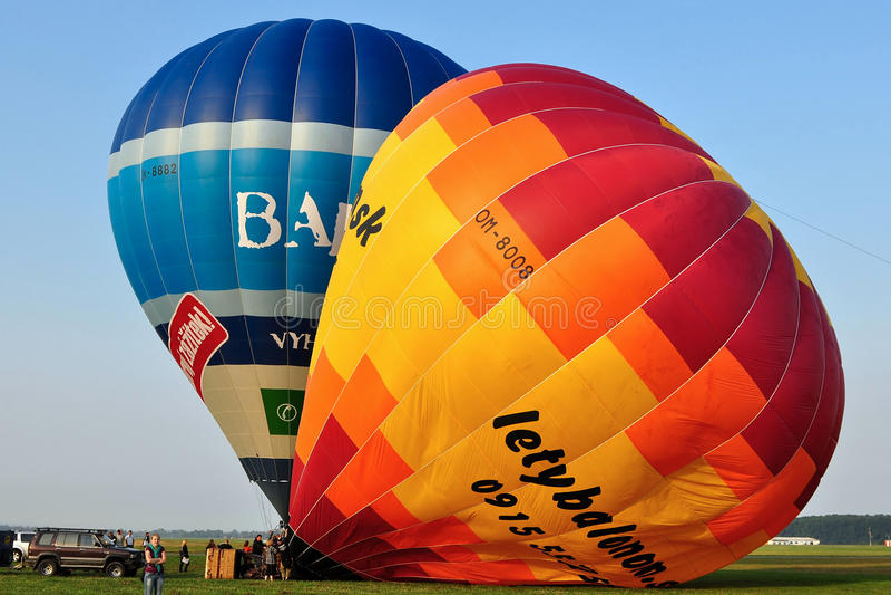 Download 气球捷克日节日kunovice共和国 编辑类库存照片. 图片 包括有 云彩, 胺基代丙酸, 乐趣, 推力 - 15684488