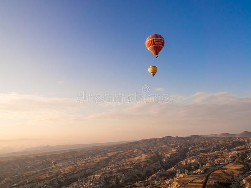 气球游览在Goreme 免版税库存照片