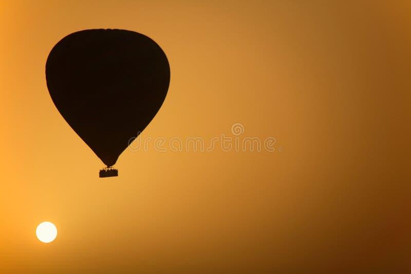 气球热日出 免版税图库摄影