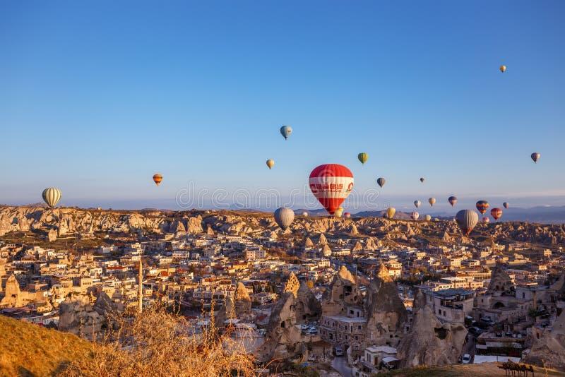 气球飞行在格雷梅 免版税库存照片