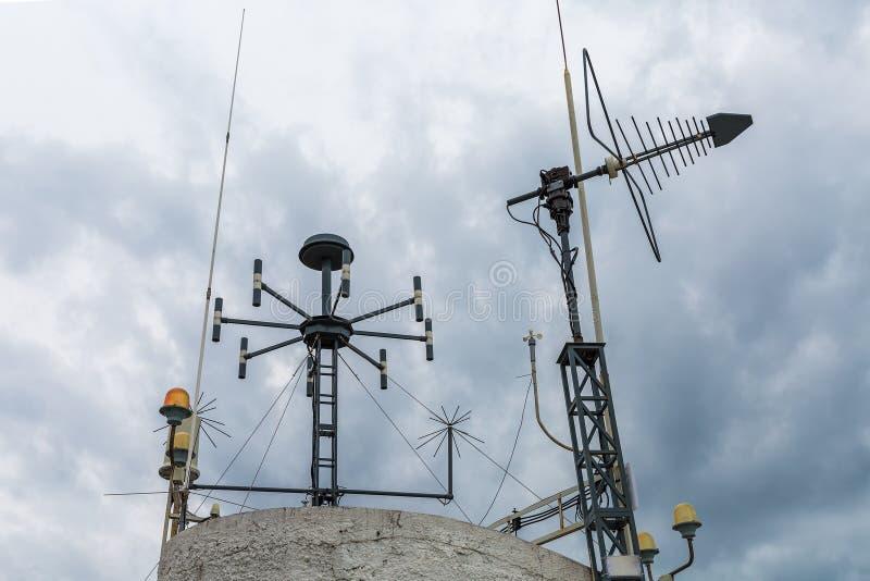 气象台气象设备  简单的telecommunicati 免版税库存图片