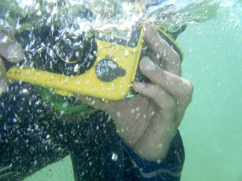 水下摄影师 采取照片水中的潜水者 海洋 库存照片