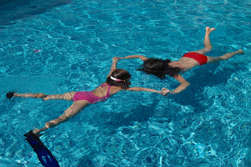 水下的乐趣 免版税图库摄影