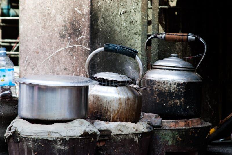 水壶罐火炉 免版税库存图片