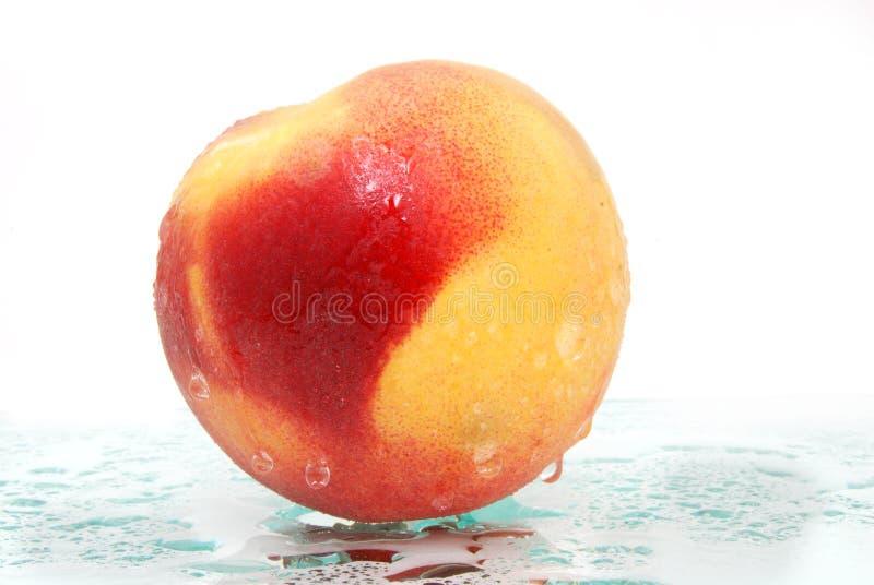 水多的桃子 库存图片