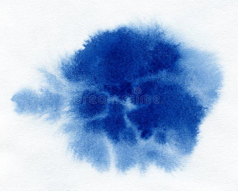 水彩 在白色水彩纸的抽象蓝色斑点 免版税库存图片