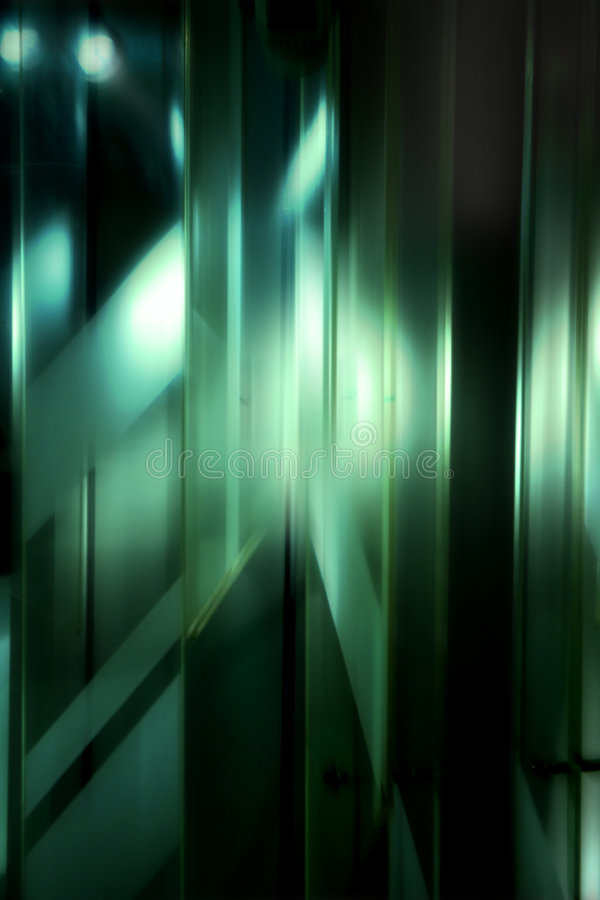 Download 水晶 库存照片. 图片 包括有 设计, 反映, 构成, 分数维, 黑暗, 水晶, 翻译, 折射, 抽象, 背包 - 179550