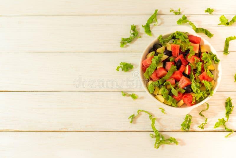 水果和蔬菜沙拉 免版税库存图片