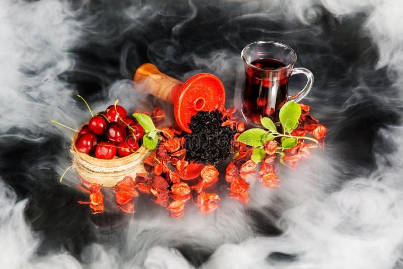 水烟筒碗用烟草 库存图片